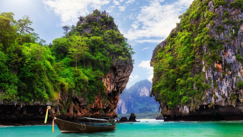 World___Thailand_Ao_Nang__Krabi__Thailand_095837_
